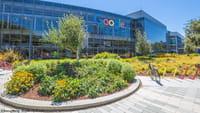 ट्रंप के खिलाफ गूगल के कर्मचारी सड़क पर उतरे