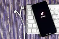 TikTok से बैन हटा, पर ऐप स्टोर से अभी भी नदारद